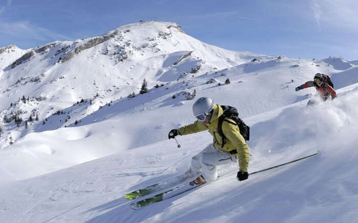 Skiing at Are