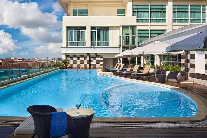 Pool side of Dara hotel