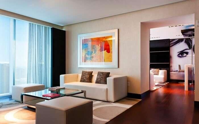 Hotel Beaux Arts ss10052018