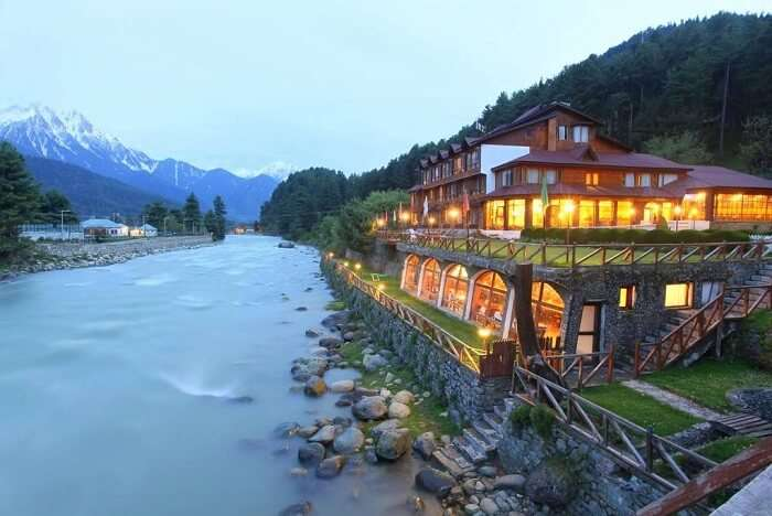 stay at Hotel Heevan Pahalgam kashmir