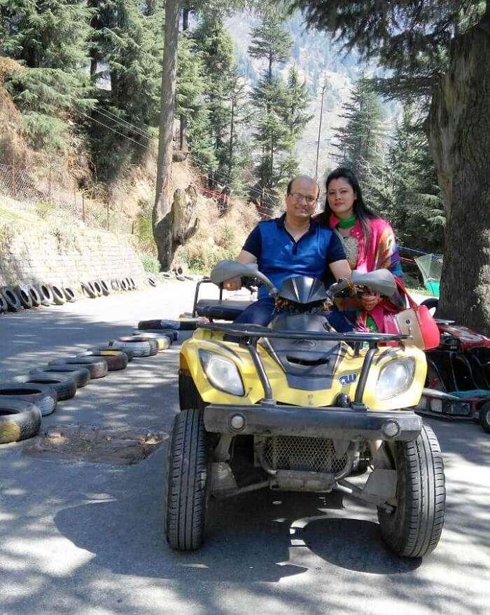 kuldeep manali honeymoon trip: ice biking
