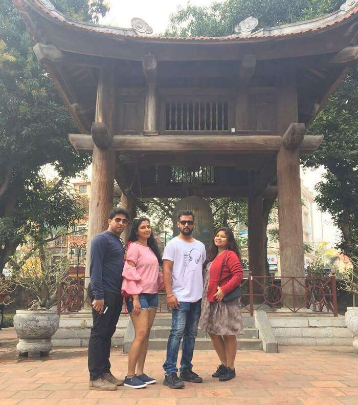 pallavi vietnam family trip: posing near temple of literature