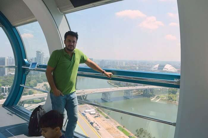 anshu singapore trip: sushant at Singapore Flyer