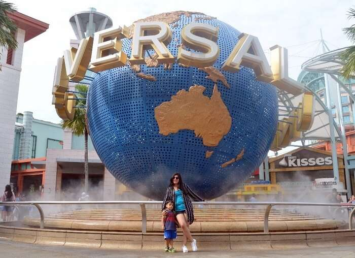 anshu singapore trip: family posng before universal studios