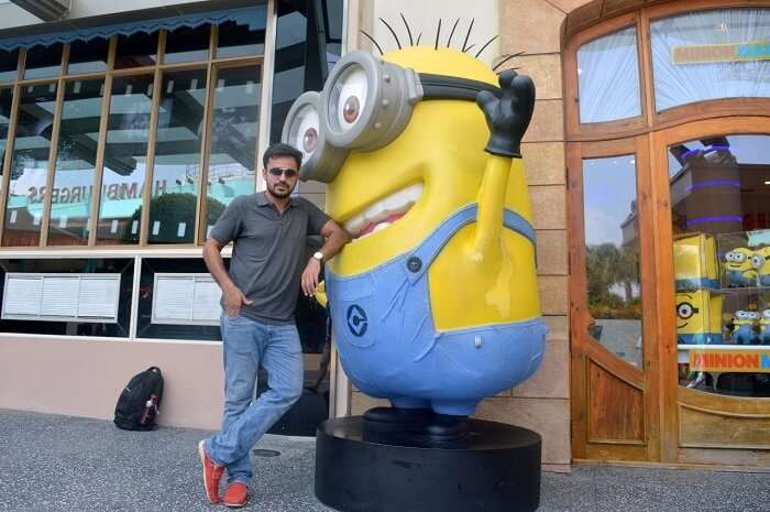 anshu singapore trip: sushant posing with minion