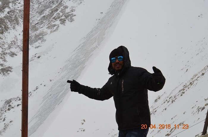enjoying in ladakh's snowfall