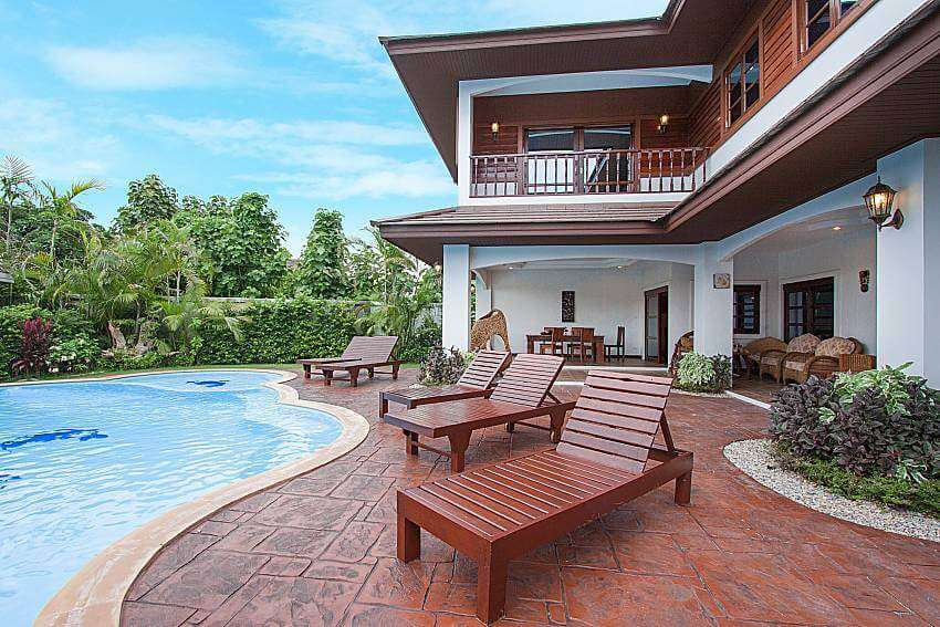 deck and outdoor pool of Lanna Karuehaad Villa B