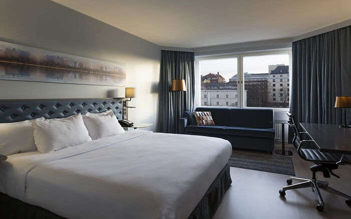 The finest waterfront hotel ss16052018