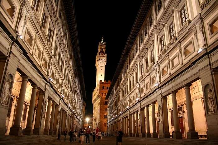 Outside view of Uffizi