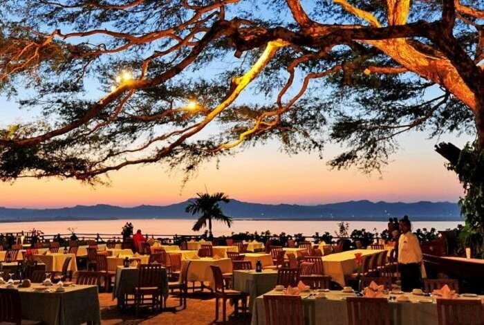 bagan beach restaurant