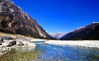 valley of yumthang in sikkim