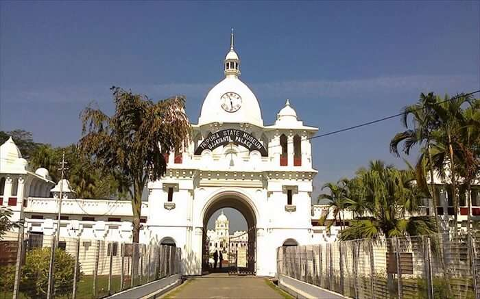 entrance of the beautiful white Manipur State Museum ss01052018