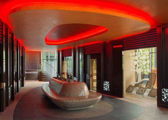 sheraton lobby in hungary