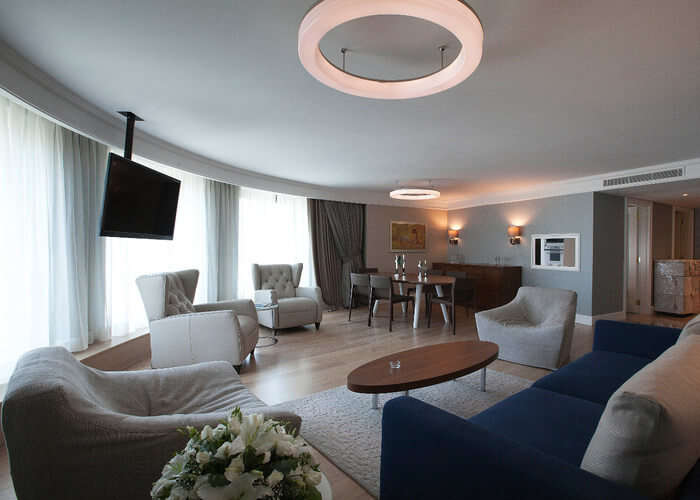 Chic guestrooms of radisson istanbul