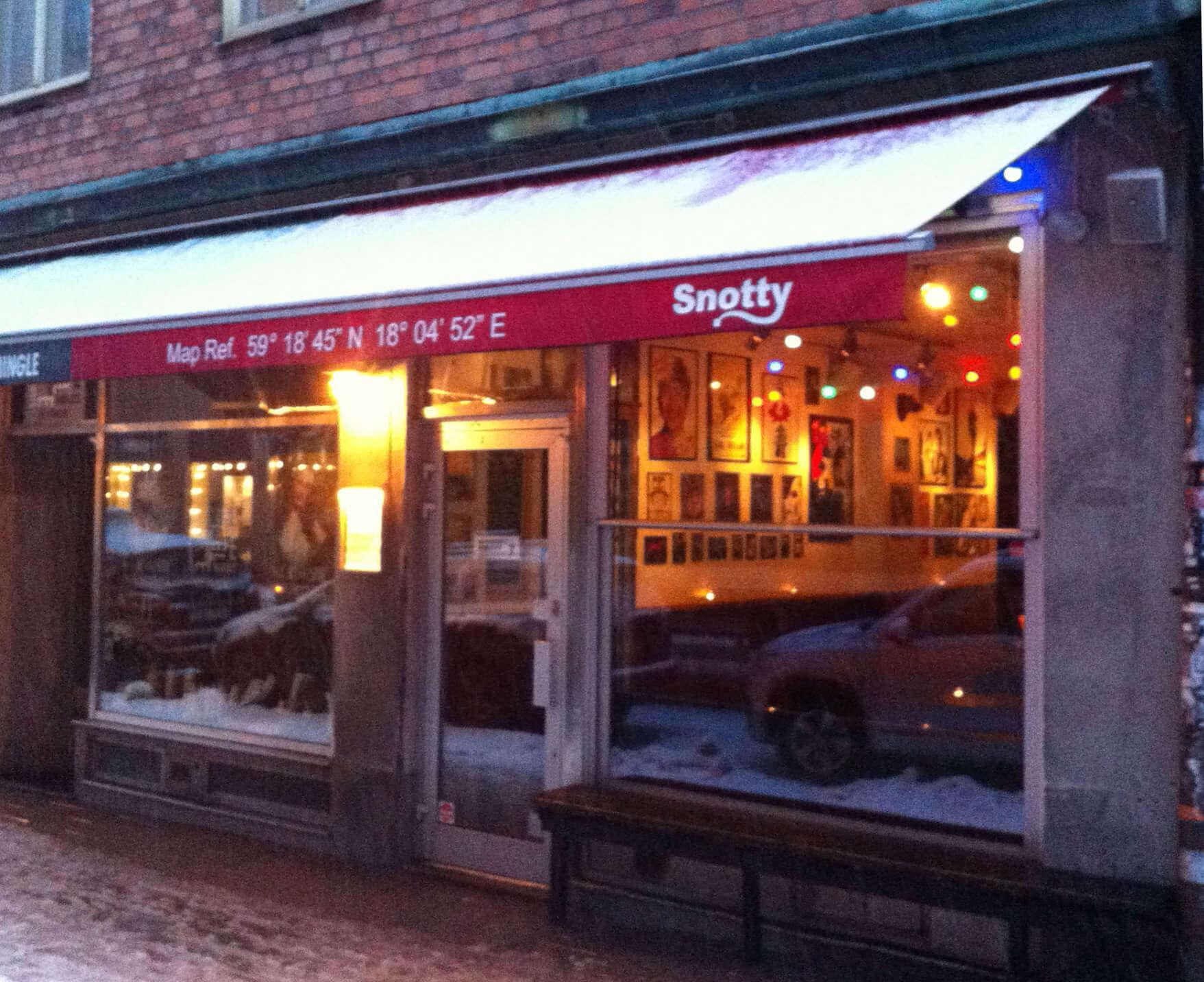 Snotty Sound Bar is a tiny cozy bar