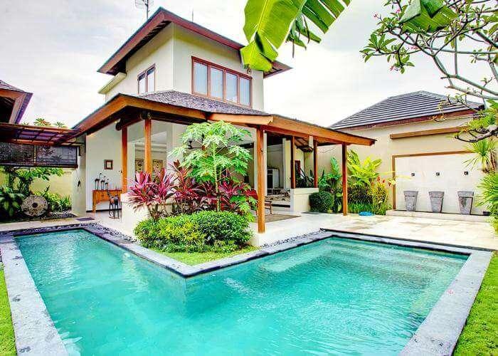 L shaped pool of Villa Shanti