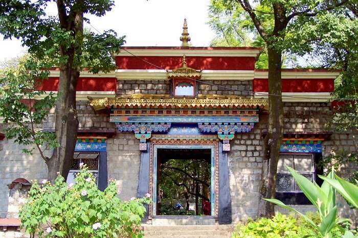 Absorb the tibetan culture at Norbulingka Institute