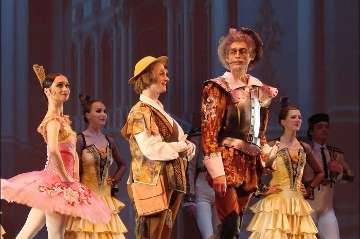 Enjoy an evening at the Samara Academic Opera and Ballet Theatre