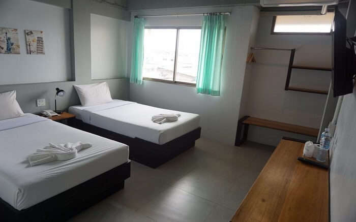Thai Hotel Krabi bedroom with two small beds ss18062018