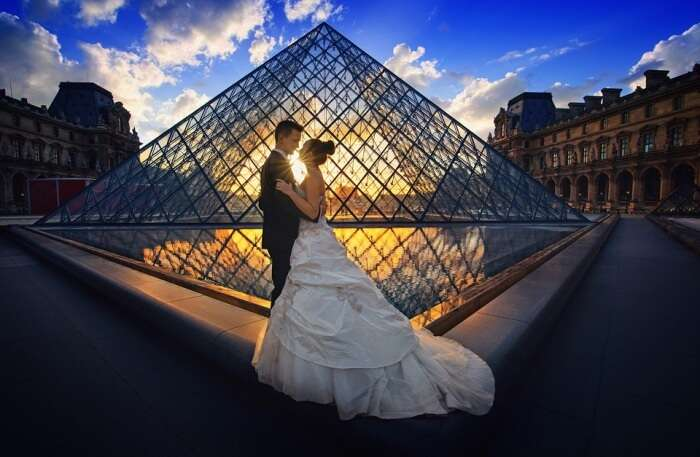 Luxury Bride Paris Wedding Honeymoon Background