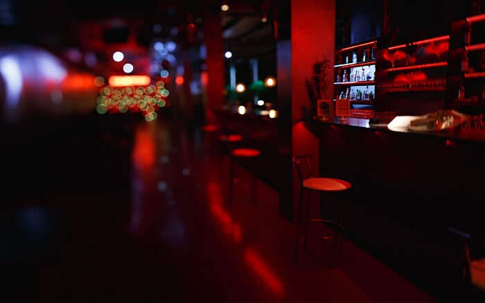 acj-0406-nightlife-in-russia (8)