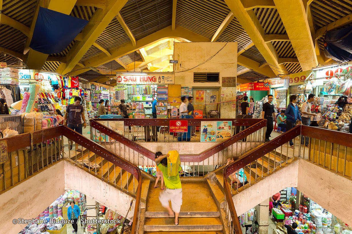 largest wholesale market in Vietnam