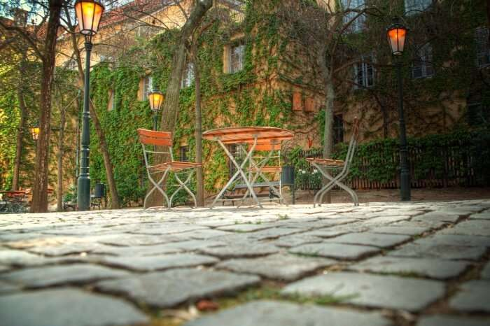 romantic hotels in Prague.