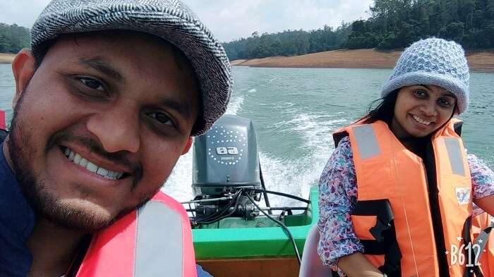 couple boating in ooty lake