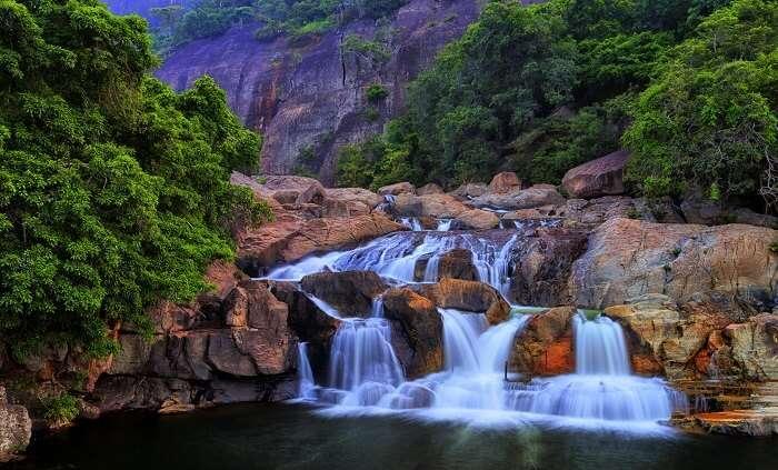 famous waterfalls near belgaum