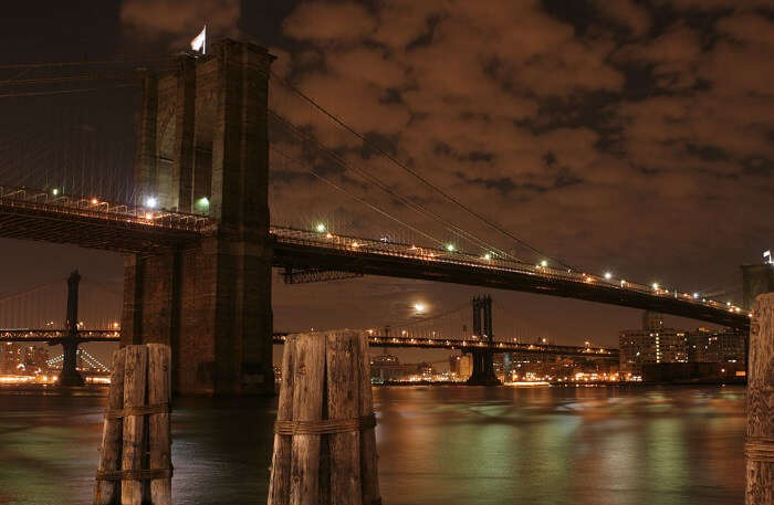 Brooklyn Bridge in night