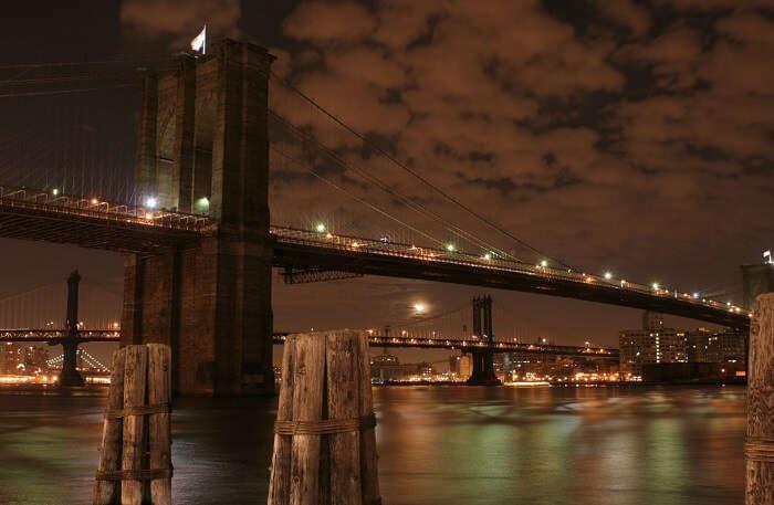 Brooklyn Bridge in night