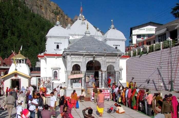 Gangotri_temple_in_Uttarakhand.