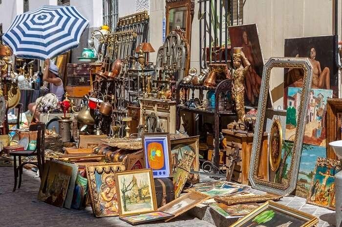 Go treasure hunting at El Rastro street market