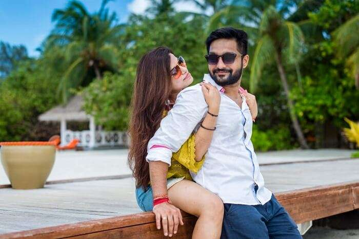 couple posing in maldives
