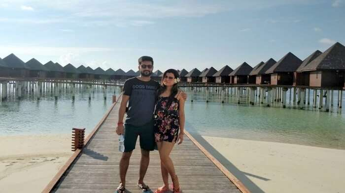 couple in olhuveli resort