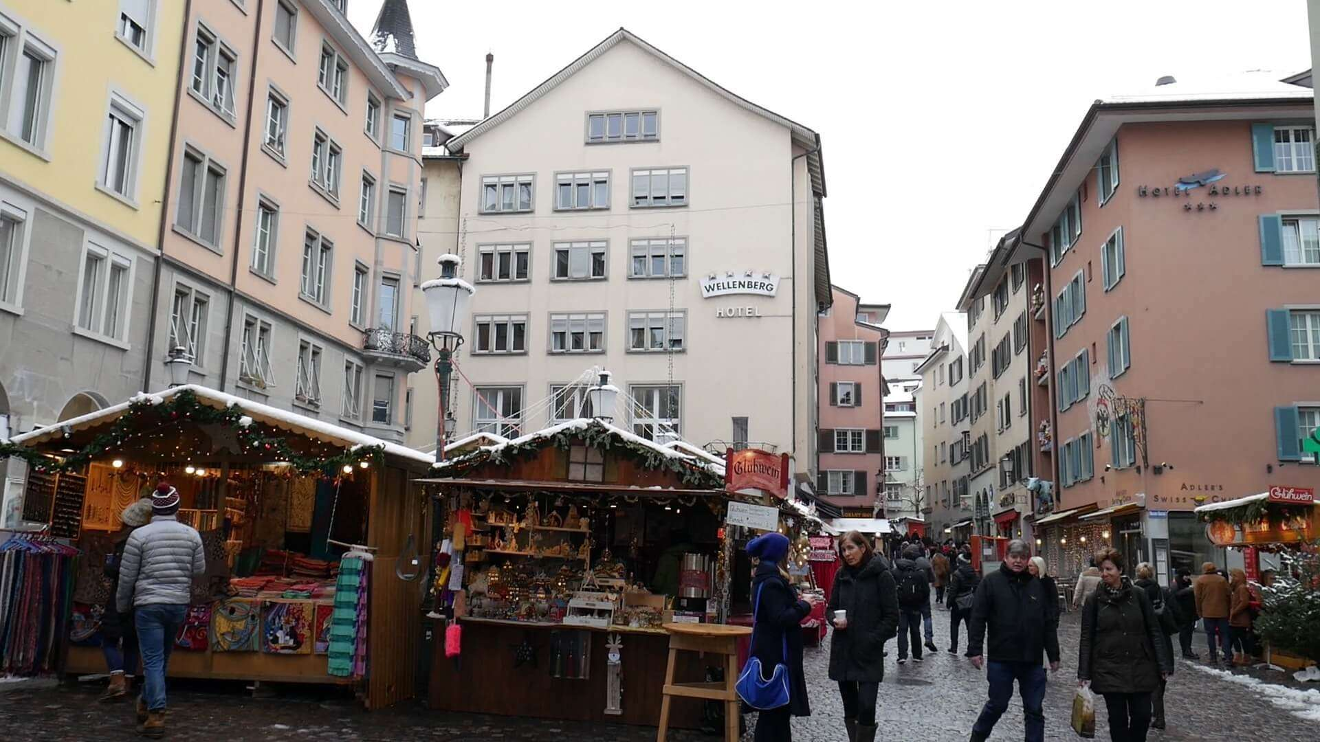 greet you with local heritage ans shopping sites