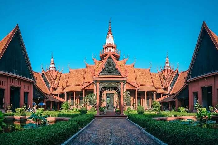 Take a tour of the National Museum of Cambodia phnom penh