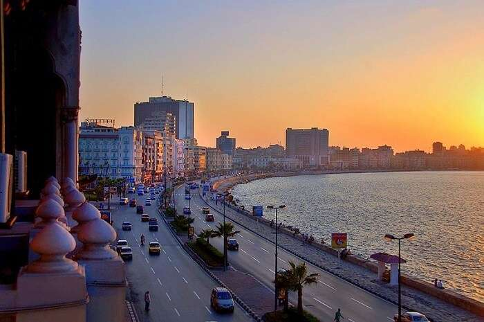 Walk along the Corniche in Alexandria