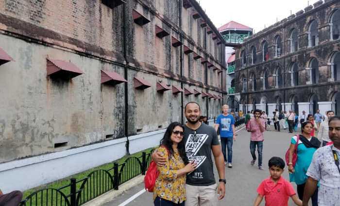 honeymoon couple visit to central jail