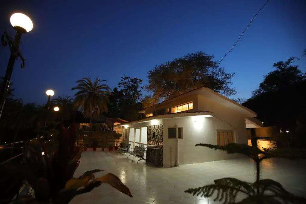 an elegant and cozy villa in Mount Abu