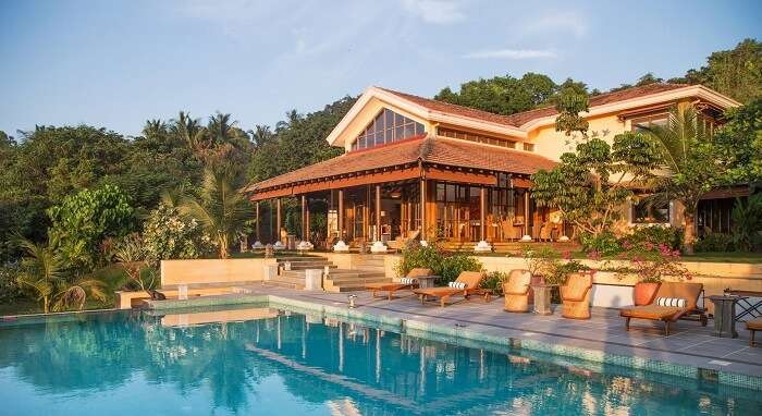 pool of summertime villa