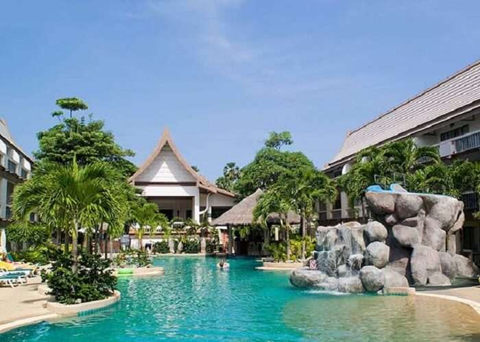 the resort offers a great place to enjoy a great Phuket vacation