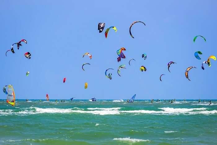 Go kiteboarding & kitesurfing