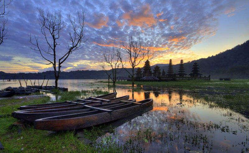sister to Lake Buyan