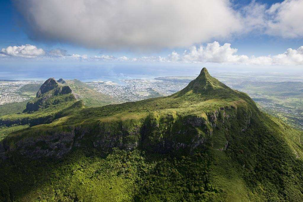 third highest peak on the island of Mauritius