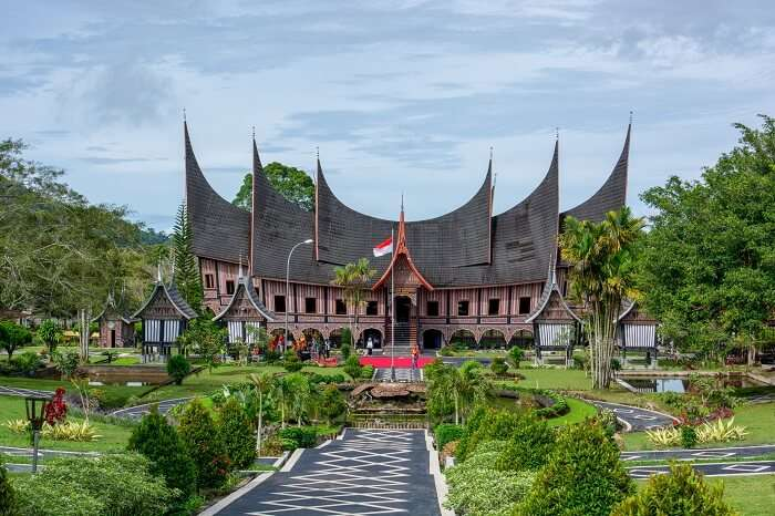 traditional architecture of Sumatra