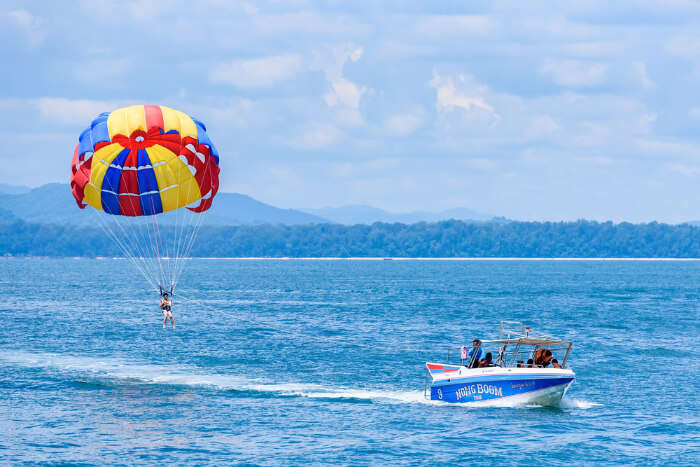 Parasailing‌ ‌In‌ ‌Phuket‌: A Detailed Guide To Exploring Adventure Sport In 2020