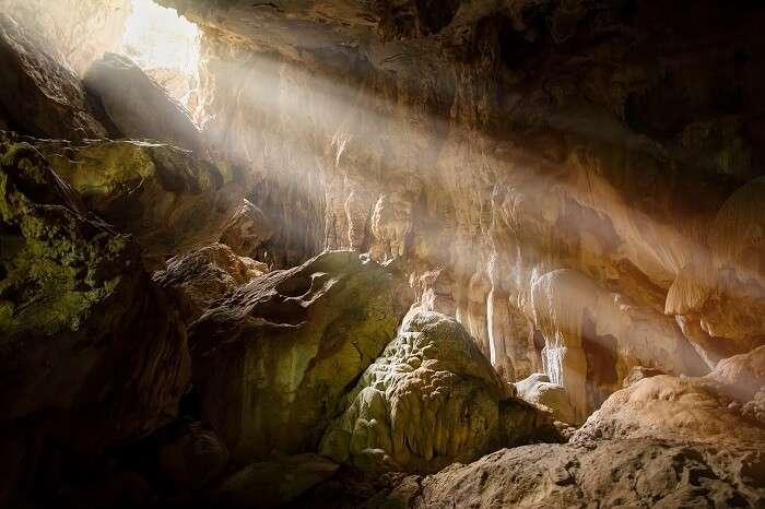 Phi Hua Ta Cave