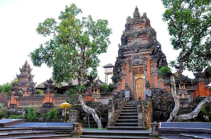 Pura Taman Saraswati Temple