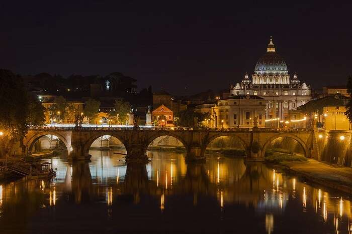 night view of the famous place in rome